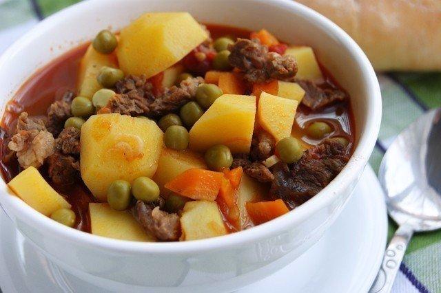 Супер ужин — Ароматное жаркое с мясом и горошком