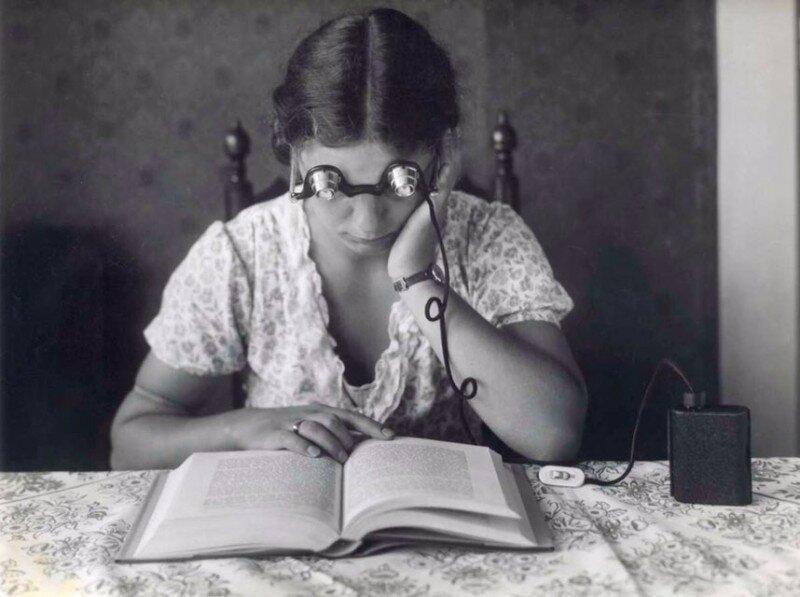 17. Очки для чтения в темноте с фонриком, 1932 год архив, исторические фото, фото, фото из прошлого