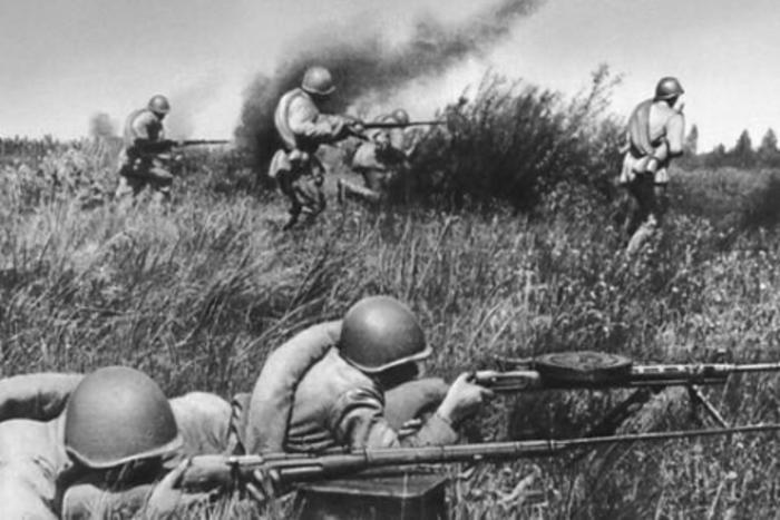 Советские солдаты в боях за Ржев
