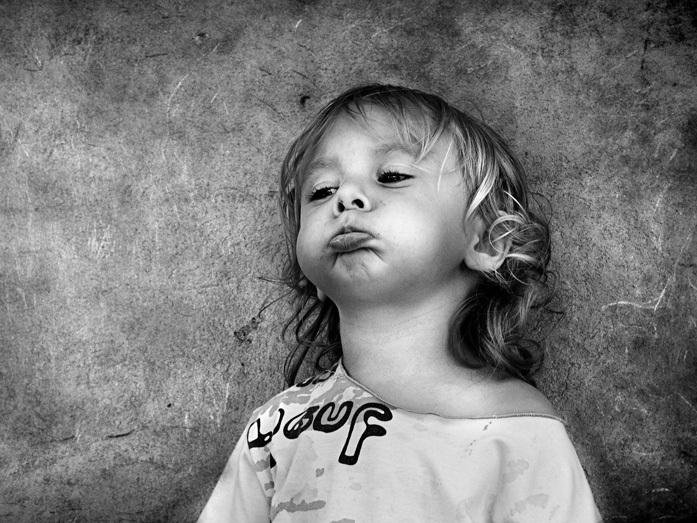 Картинка маленькой девочки нарисованная когда она надула губы
