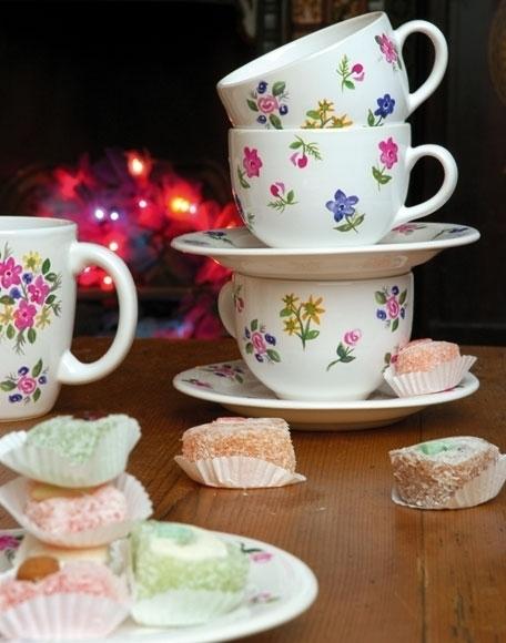 Как сделать цветочный узор на чайном сервизе