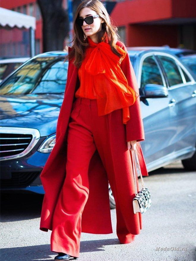Леди в красном: как носить модный оттенок осенью 2017