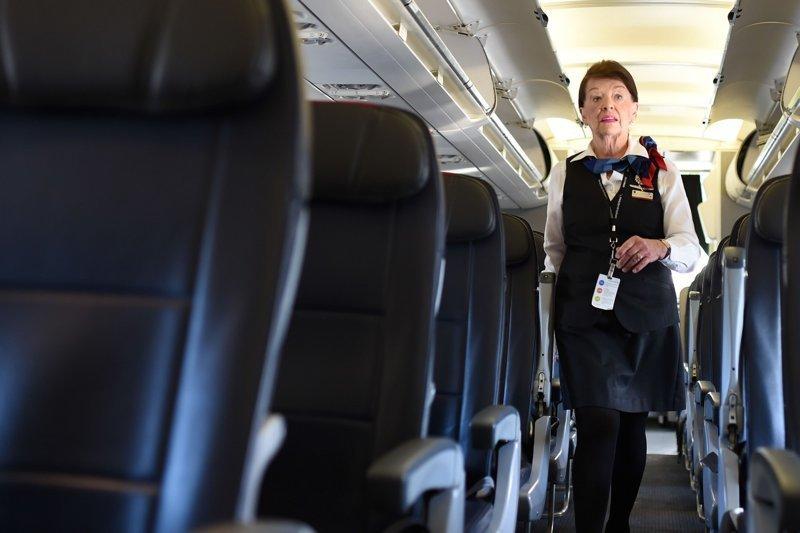 Королева облаков: Стюардесса из США со 60-летним стажем