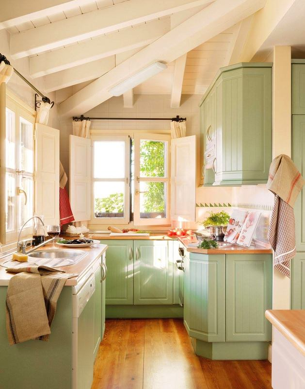 Кухня в цветах: желтый, светло-серый, белый, бежевый. Кухня в стиле прованс.