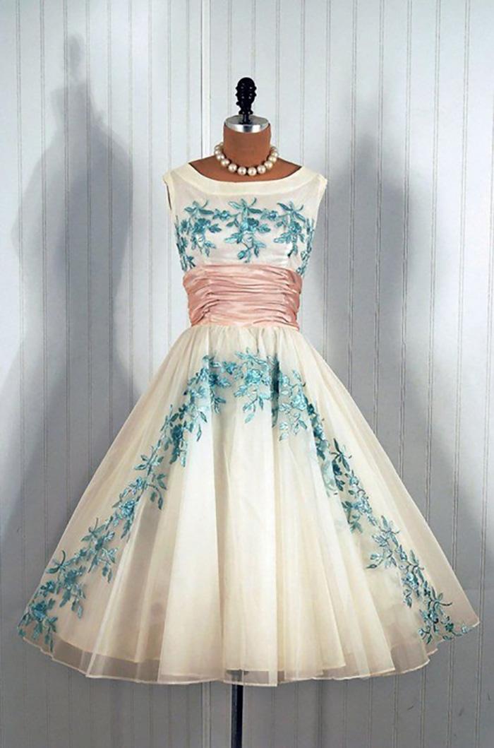 модные платья в стиле ретро 50-х