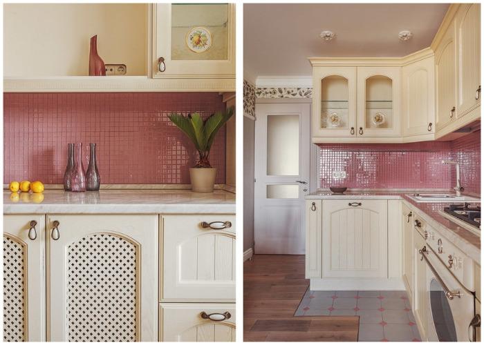 Плитка небольшого размера яркого цвета стала главным украшением интерьера кухни.