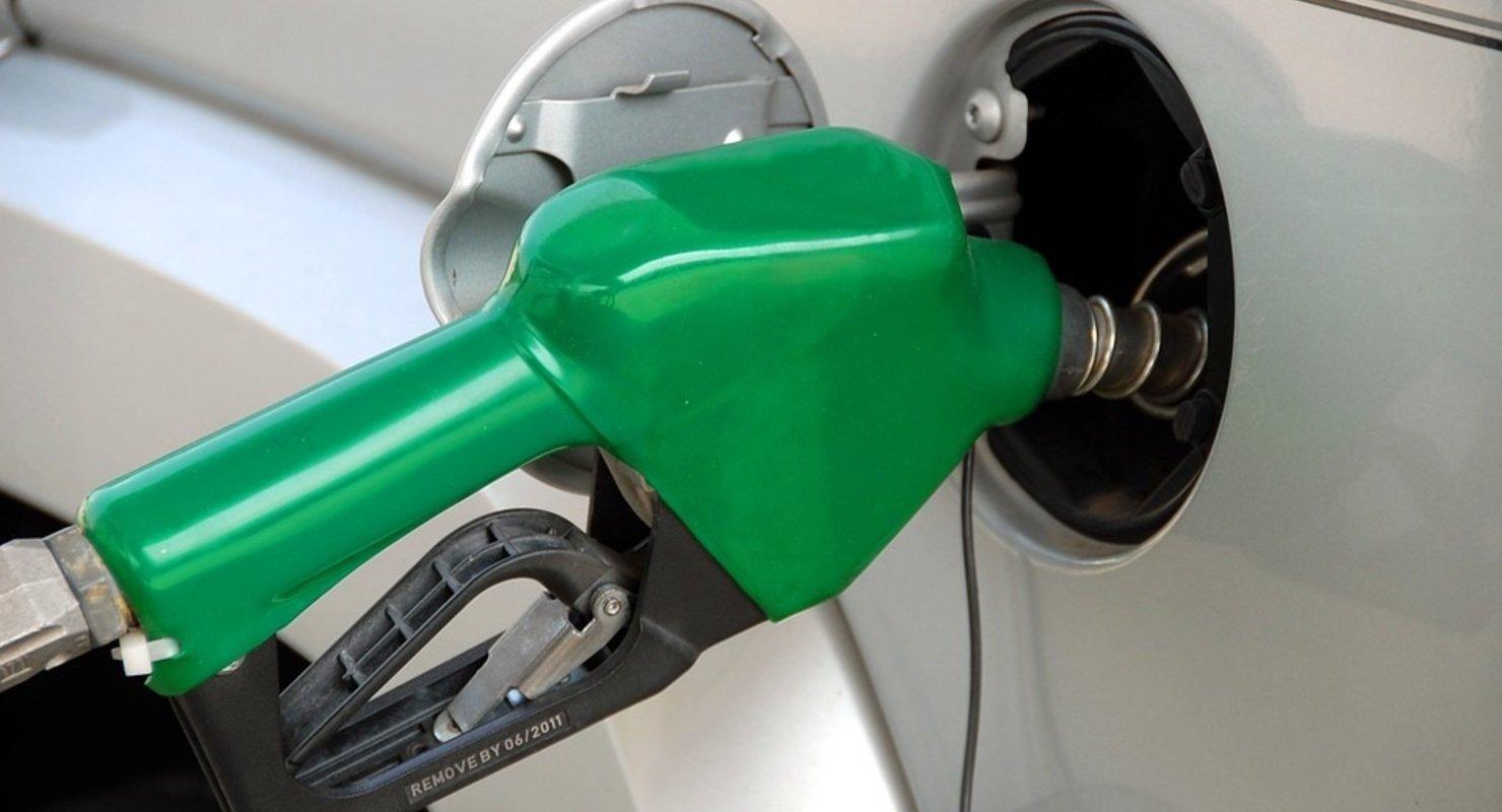 Цена на бензин приближается к критической для нефтяников отметке Автомобили