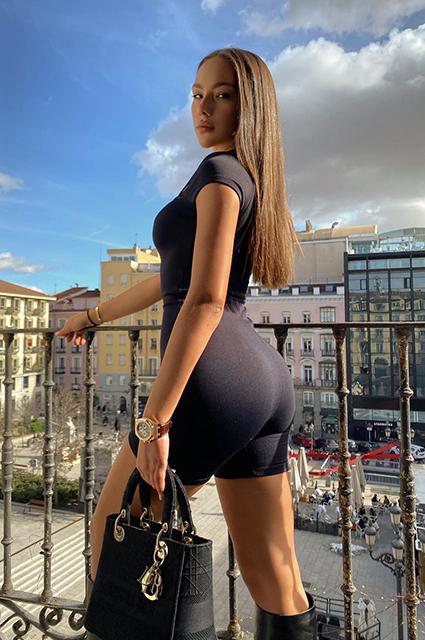 """Тимати выбрал победительницу шоу """"Холостяк"""": что мы знаем о Катерине Сафаровой Звездные пары"""
