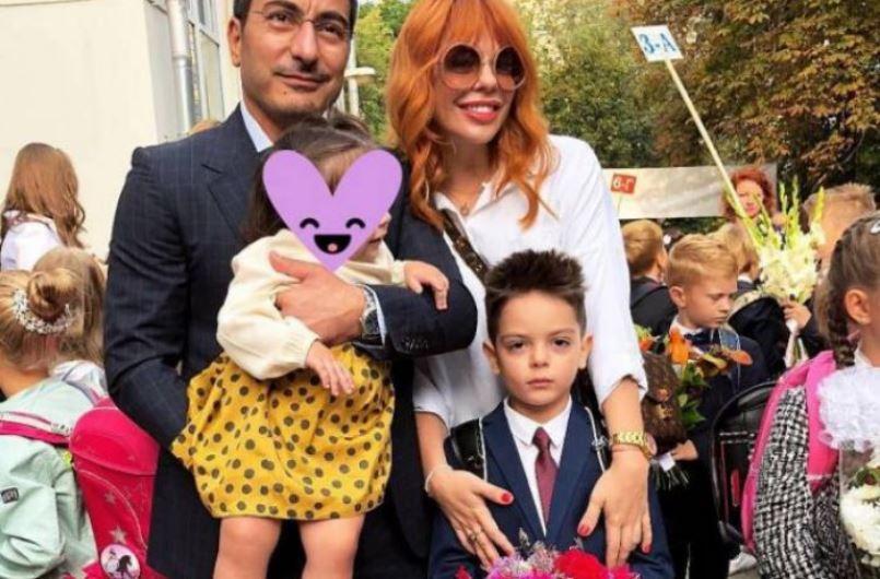 «Живу с мужем, а детей с Киркоровым делаю!»: Анастасия Cтоцкая впервые показала лицо маленькой дочки