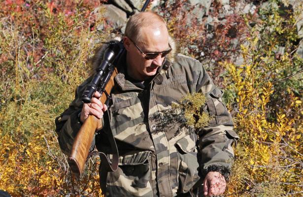 Путин рассказал, какемув90-ыеприходилось спать сружьем