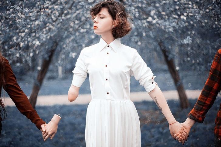 Девушка с одной рукой живет так, что хочется крепко обнять ее своими двумя загадочность,интересное,очарование,позитив,фотографии