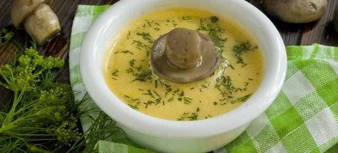 Сырный суп с консервированными шампиньонами