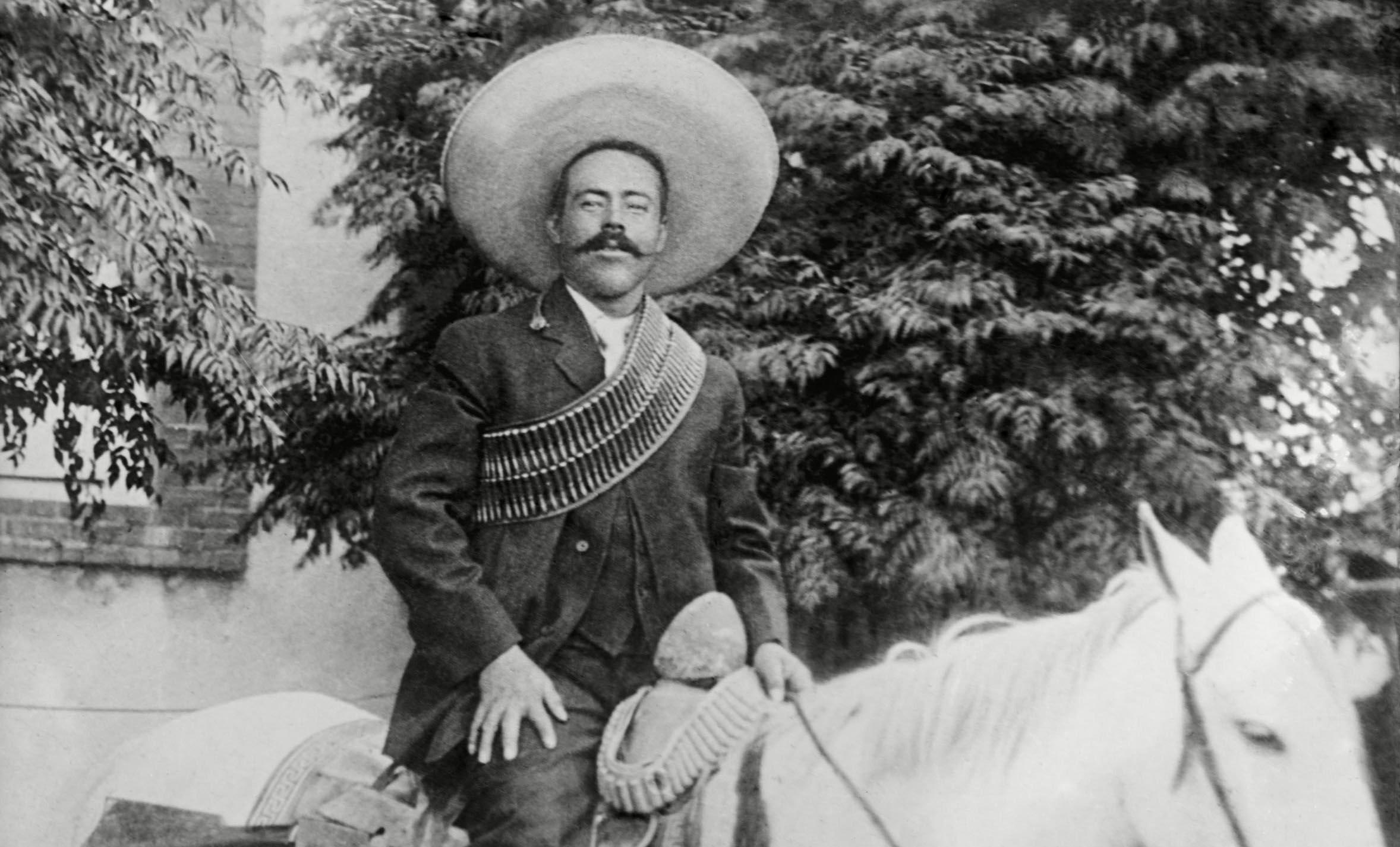 5 потрясающих историй о Панчо Вилье — мексиканском революционере, который грабил США на «Харли-Дэвидсонах»