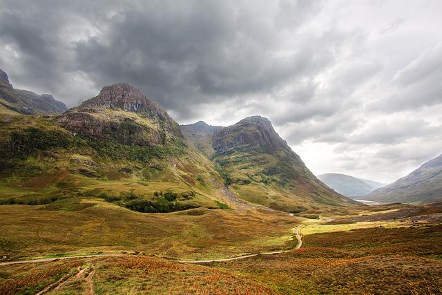 Шотландия – край старинных легенд, могущественных замков и кристально чистых озер...