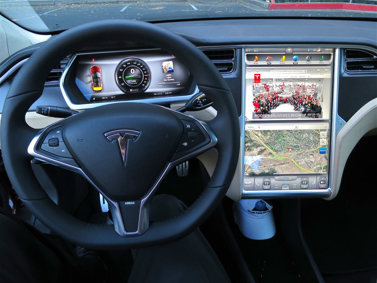 Хакеры смогли дистанционно управлять Tesla Model S