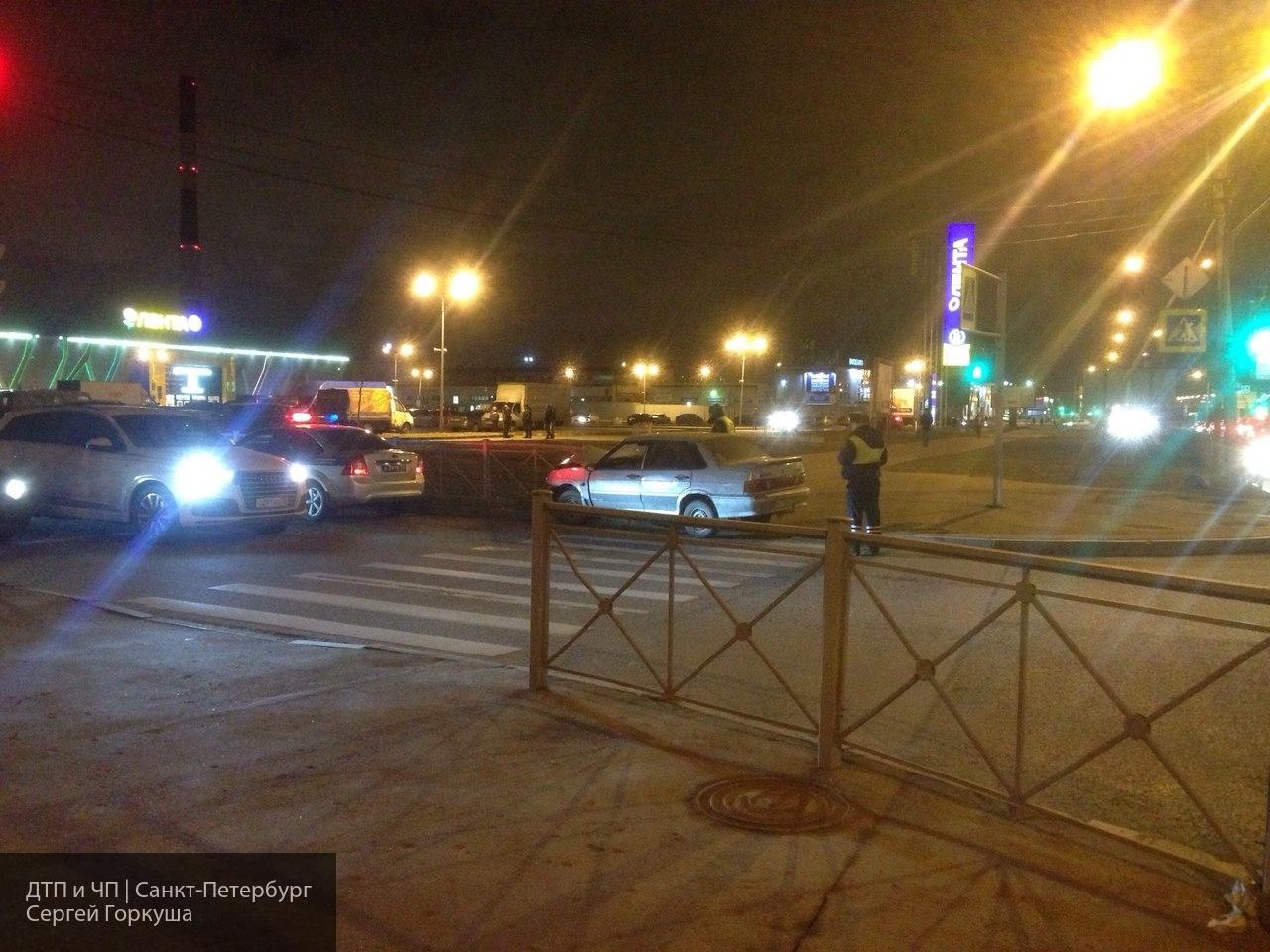 В Петербурге автомобиль марк…