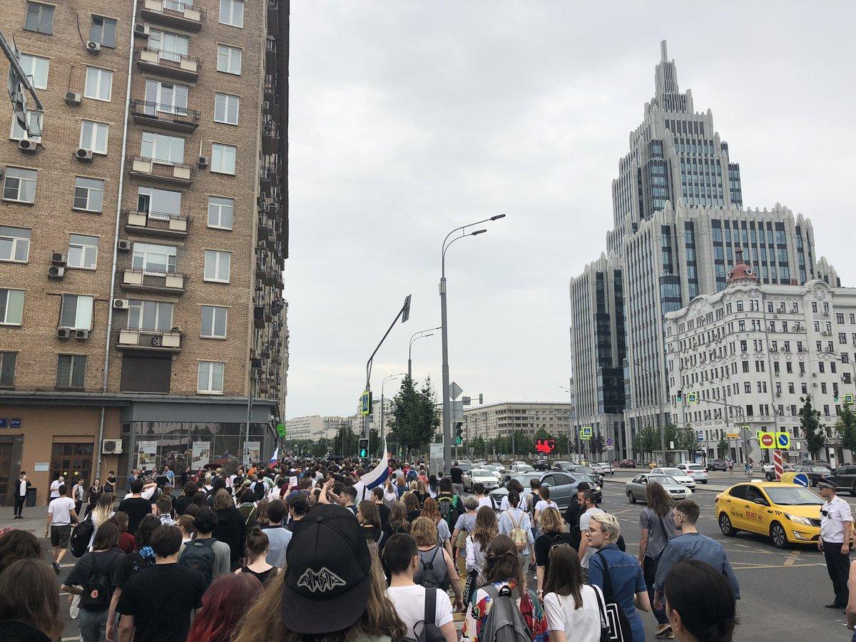 Марш за свободу Голунова: задержали около 100 человек выдававших себя за Голунова