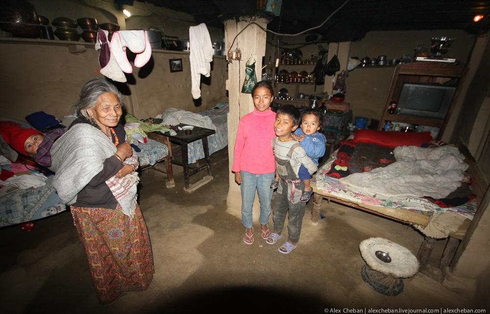 Непал: О чем можно узнать, если свернуть с туристической тропы