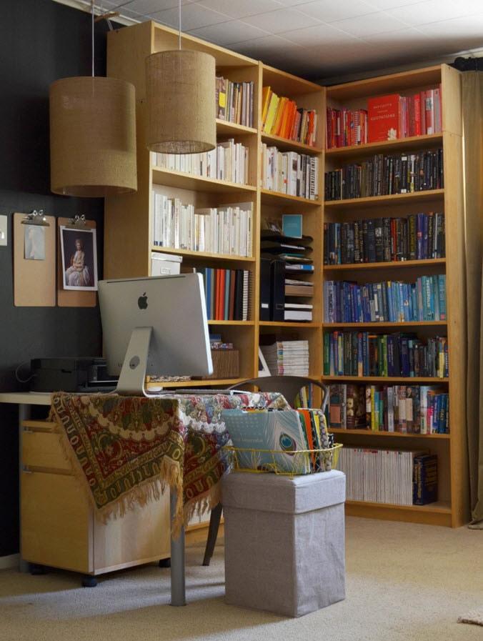 Книжный стеллаж в кабинете