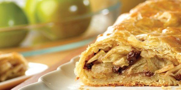 Рецепты с яблоками: Простой яблочный штрудель
