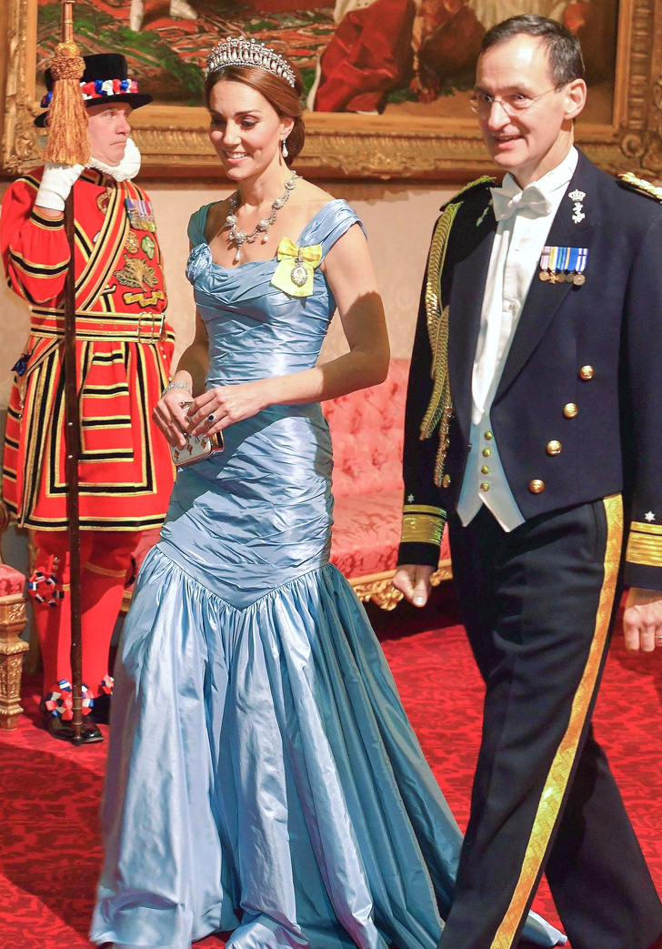 Эксперт поэтикету рассказала, каким простым правилам нужно следовать, чтобы выглядеть как принцесса