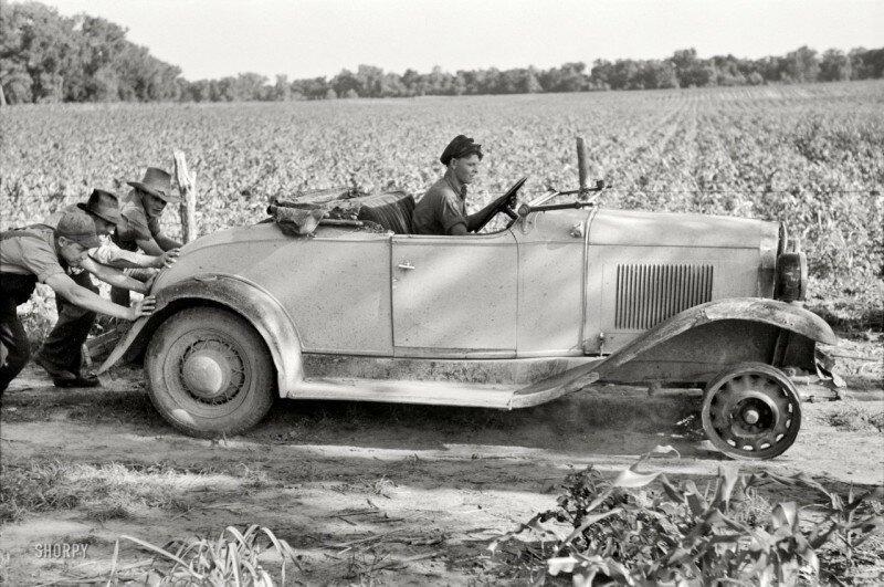 По дороге в мастерскую, около Маскоги, Оклахома, 1939 год. история, ретро, фото