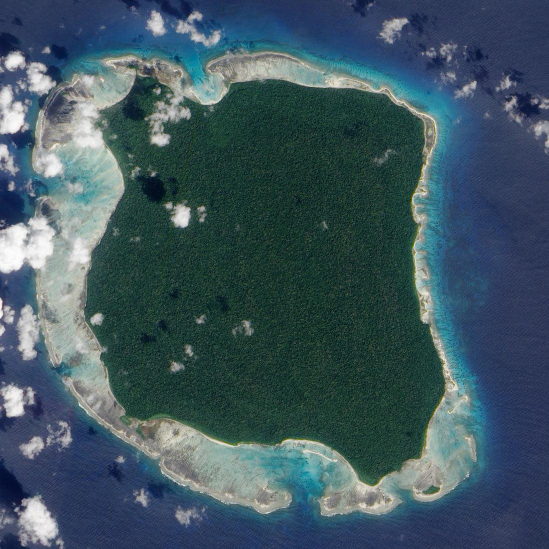 Северный Сентинельский остров: самый опасный райский уголок в мире авиатур