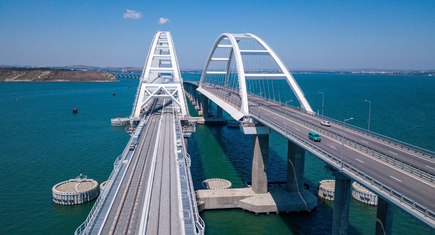 В новогодние праздники по Крымскому мосту проехало более 103 тыс. автомобилей Автограмота