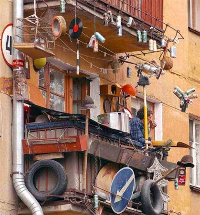 25 балконов, которые рассмешат своим видом лучше любого анекдота