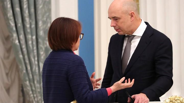 Уволить Силуанова и Набиуллину. Почему Путин не ставит подпись