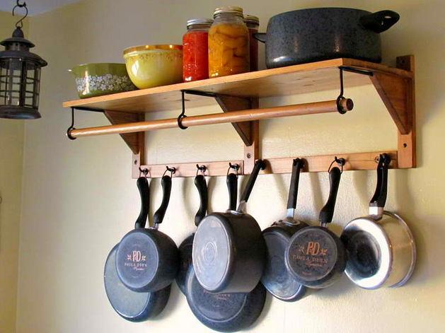 Кухня в цветах: серый, светло-серый, бежевый. Кухня в .