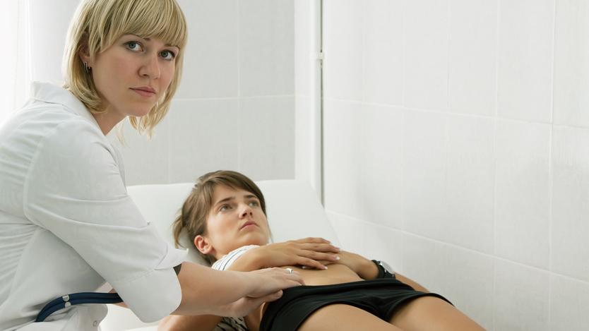 обследование у врача голое