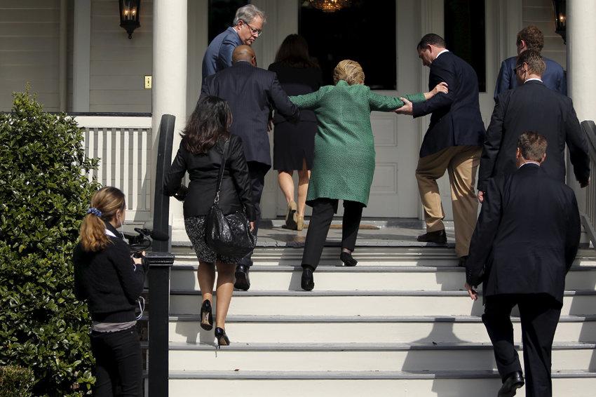 """Пневмомания: В США займутся поиском следа """"руки Москвы"""" в болезни Хиллари Клинтон"""