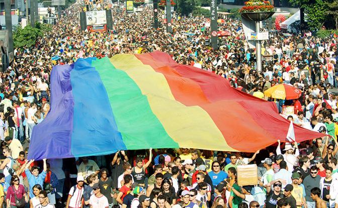 Немцев пытаются загнать в «Гейманию» с однополыми браками