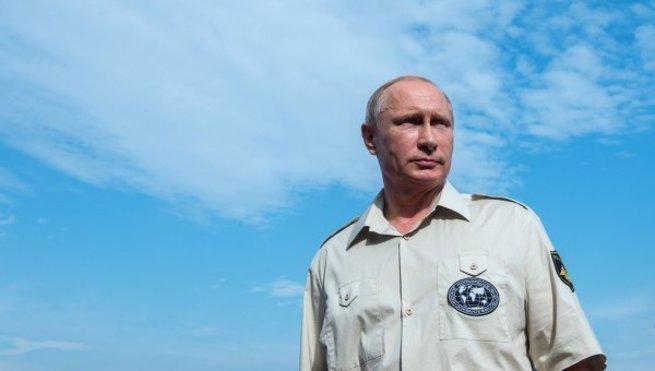 Владимир Путин держит на кон…