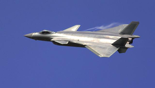 Китай принял на вооружение новый истребитель пятого поколения J-20