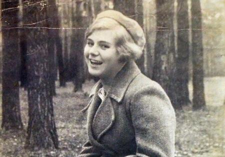 """Вера Волошина: за что немцы повесили """"девушку с веслом"""""""