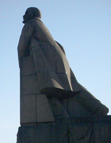 15 самых странных памятников Ленину, которые можно найти по всему миру не может быть