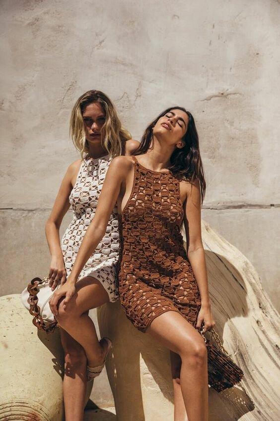 Невероятно женственные платья крючком для незабываемого отдыха. Вдохновляющая подборка