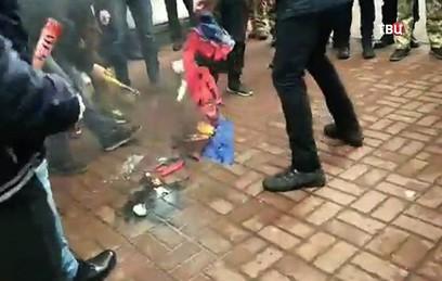 Россия выразила протест Украине из-за нападений на учреждения в Киеве