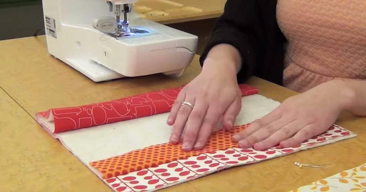 Оригинальные и красивые салфетка в лоскутной технике. Отличное украшение интерьера
