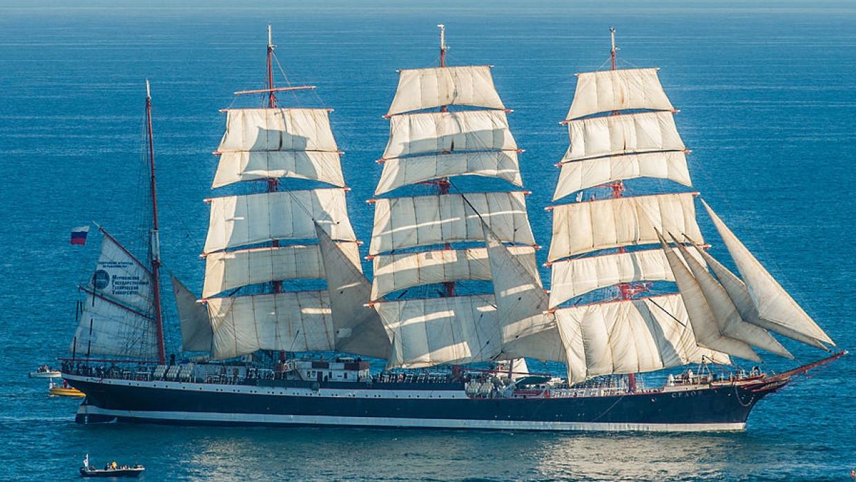 Парусник «Седов» прибудет в Петербург для участия в параде ко дню ВМФ Общество