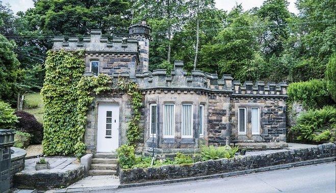 В Англии на продажу выставлен замок по цене однокомнатной квартиры в Лондоне
