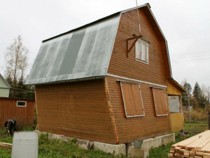 Дом, построенный своими руками.
