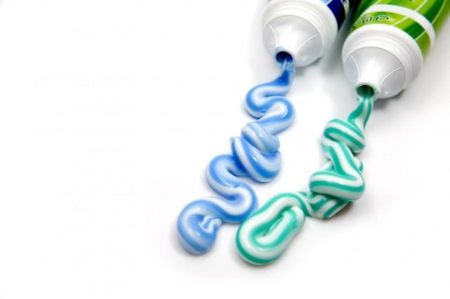 22 способа использовать зубную пасту в домашнем хозяйстве