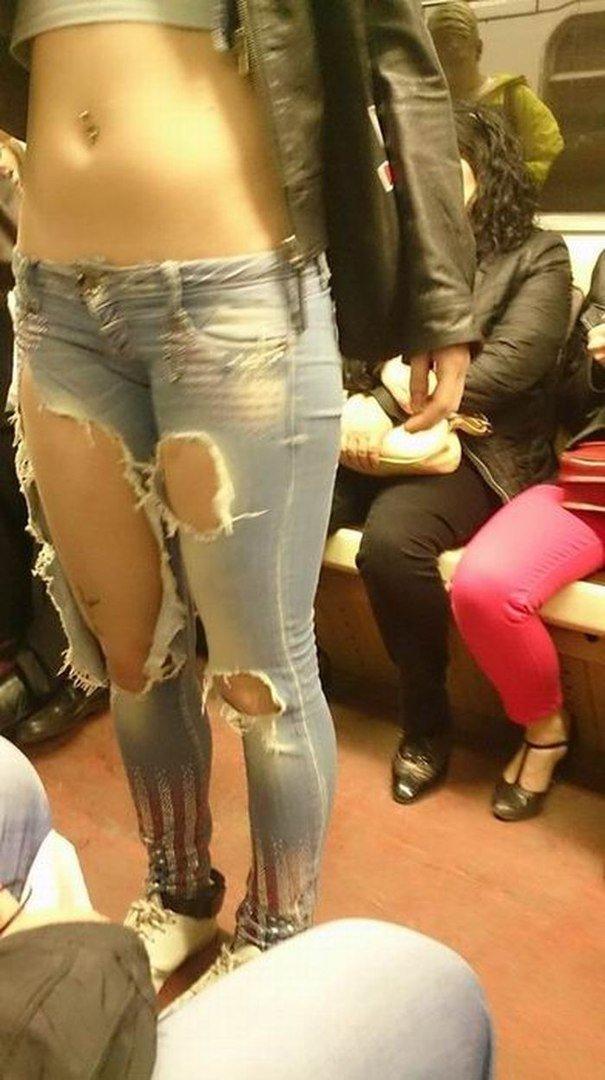 Рваные джинсы интересное, мода, нулевые, прикол, смешное, фото