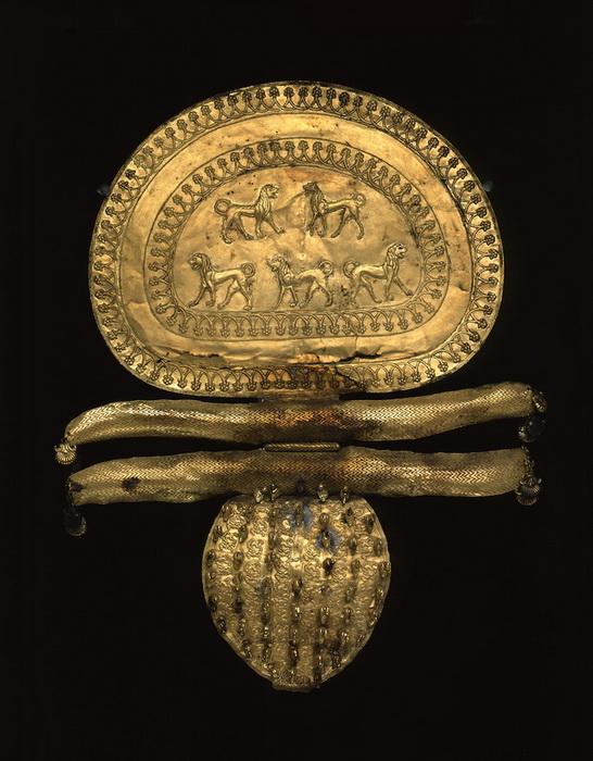 Этрусская фибула из золота