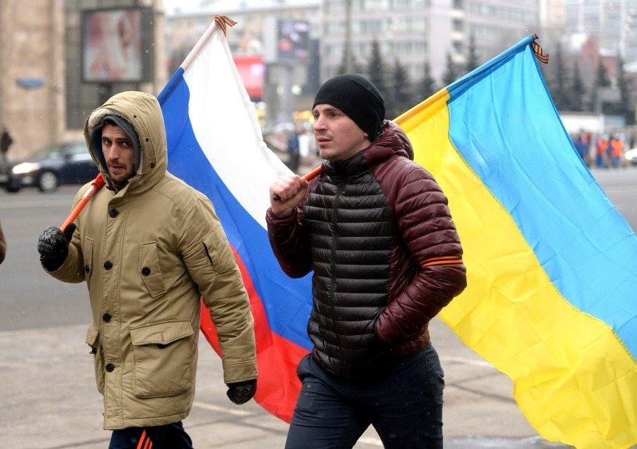Ждут, чтобы встретить русских цветами: В умах украинцев произошли перемены