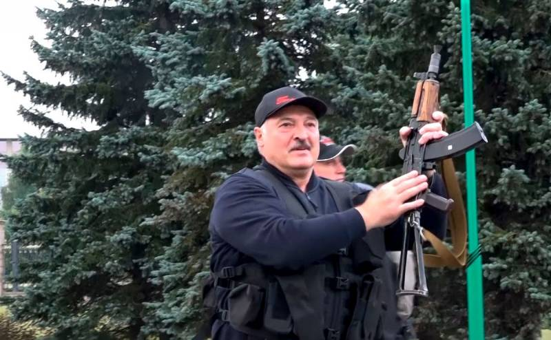 Лукашенко своим указом разрешил открывать огонь по протестующим Новости