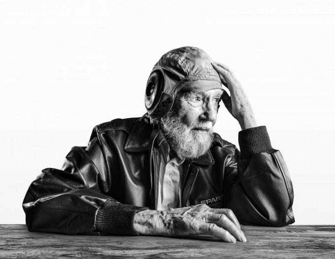 Как выглядят столетние люди